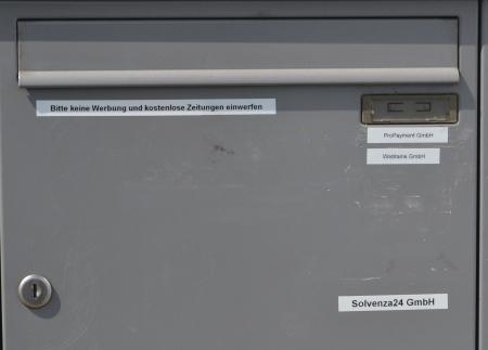 Briefkasten im Rodgau Borsigstraße. Solvenza24, Webtains, ProPayment