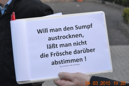 Schild auf der Demo zum Haushalt 2015/2016 der Stadt Rödermark