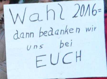 Schild auf der Demo zum Haushalt 2015/2016 der Stadt Rödernark