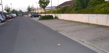 Freie Parkplätze am Bahnhof. Zufahrt Eisenbahnstraße 7.00h