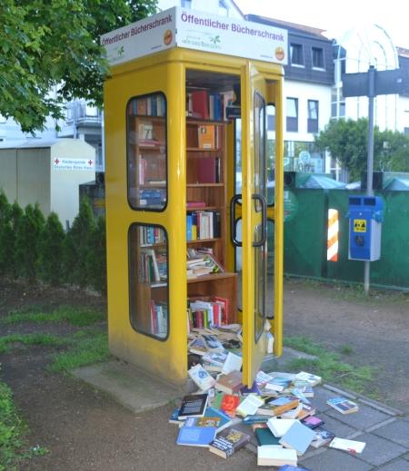 Bücherschrank Ober-Roden Breidert.