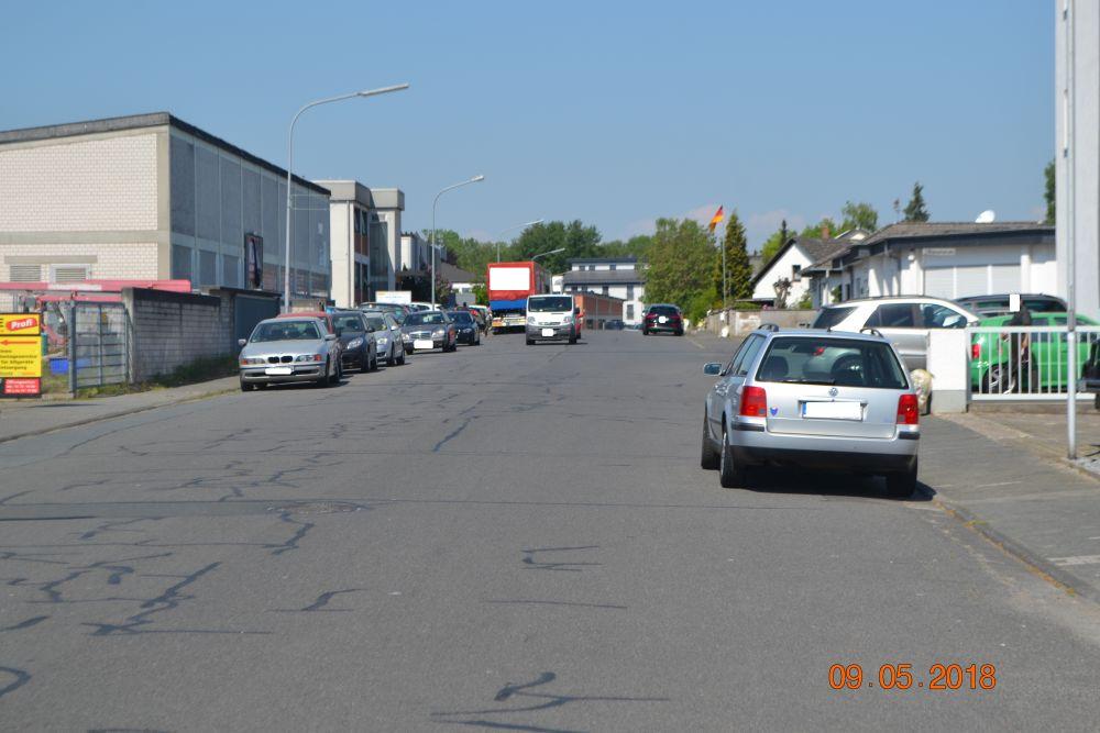 Max-Planck-Straße gegen 11:30h aiuf dem Weg zur REWE  nach Dietzenbach.
