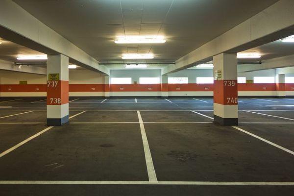 Kerb in Ober-Roden.  Parkhaus geschlosssen.