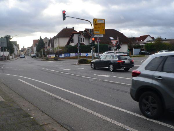 Ausnahmsweise mal ohne Verkehr. Kipferl Kreuzung